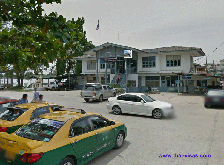 Thai Immigration in Pathumthani
